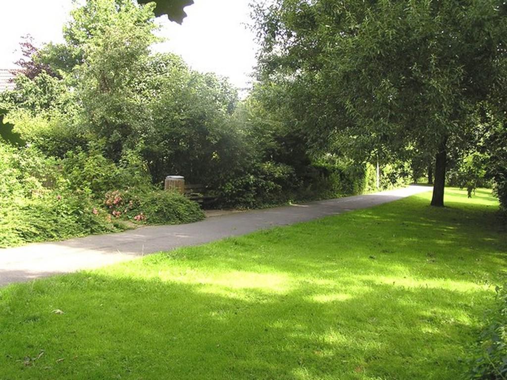 Promenade hinterm Haus